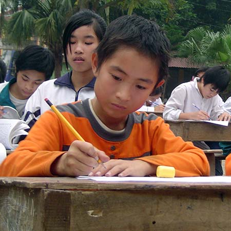The story of Blue Dragon - Blue Dragon helps keep poor Vietnamese rural children in school